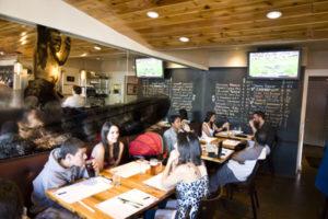 20100102_Restaurant-Review-Fallon_2022