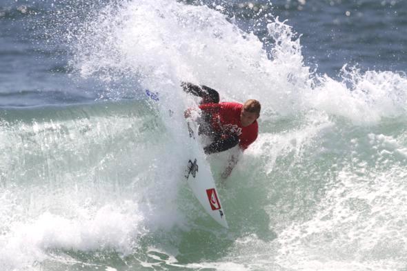Surfer Dane Zaun nose pick