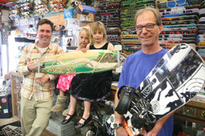 """Chris, Sophia and Katelyn Crocker with ET skate board expert Kevin """"The Worm"""" Anderson. Photo by Kevin Cody"""