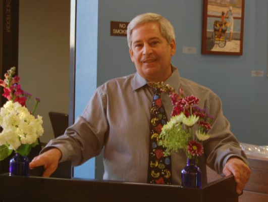 Manhattan Beach's Parks & Recreation Director Richard Gill will step down from his post on May 10. Photo by Esther Kang