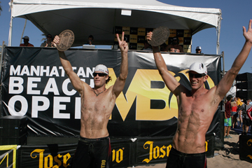 Redondo Beach's Sean Scott, right, and John Hyden join the women's team of Jenny Kropp and Whitney Pavlik as two-time defending champions of the Manhattan Beach Open. File photo by Ray Vidal