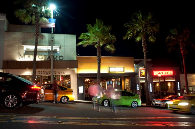 The increasingly vibrant restaurant scene in downtown Manhattan Beach. Photo by Chelsea Sektnan