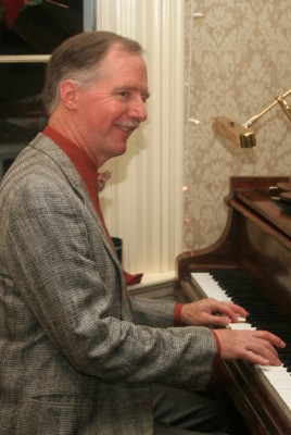 Tom Bopp at the keys: Ragtime rolls into El Segundo