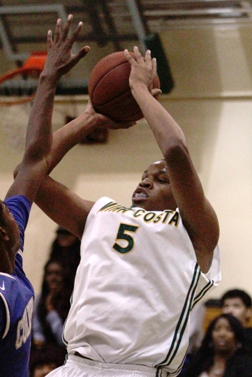 Mira Costa's Justin Strings is coming off a 30-point performance in the Mustang's Bay League opening win against West. Photo by Ray Vidal