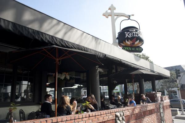 The Kettle Celebrates 40 Years As A Manhattan Beach Mainstay