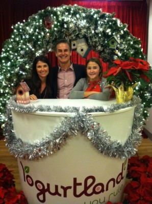 New Yogurtland CEO and Manhattan Beach native Huntley Castner with his wife Kim and daughter Grace. Courtesy of Castner