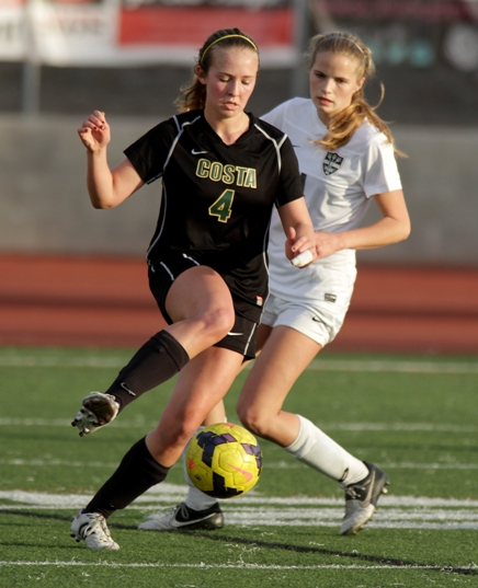 Mandy McKeegan and the Mira Costa Mustangs  begin their drive to a CIF title. Photo by Ray Vidal