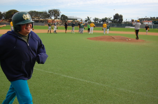 Mira Costa student Aren Daye makes his way to home base. Photo by Esther Kang
