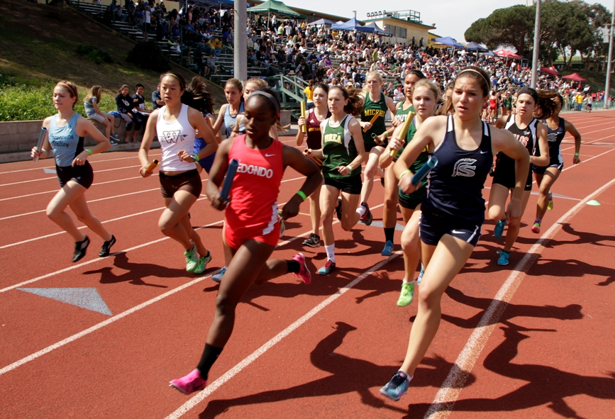 Saugus, Redondo and Mira Costa finished 1-3 in the girls Distance Medley race. Photo by Ray Vidal