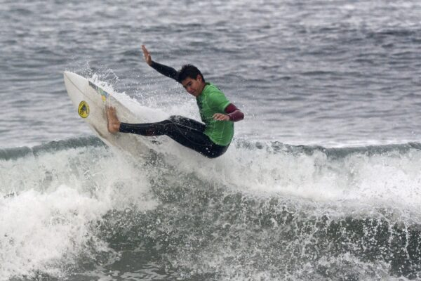 Men's shortboard 2nd place finisher, Kyle Brown smashes the lip.