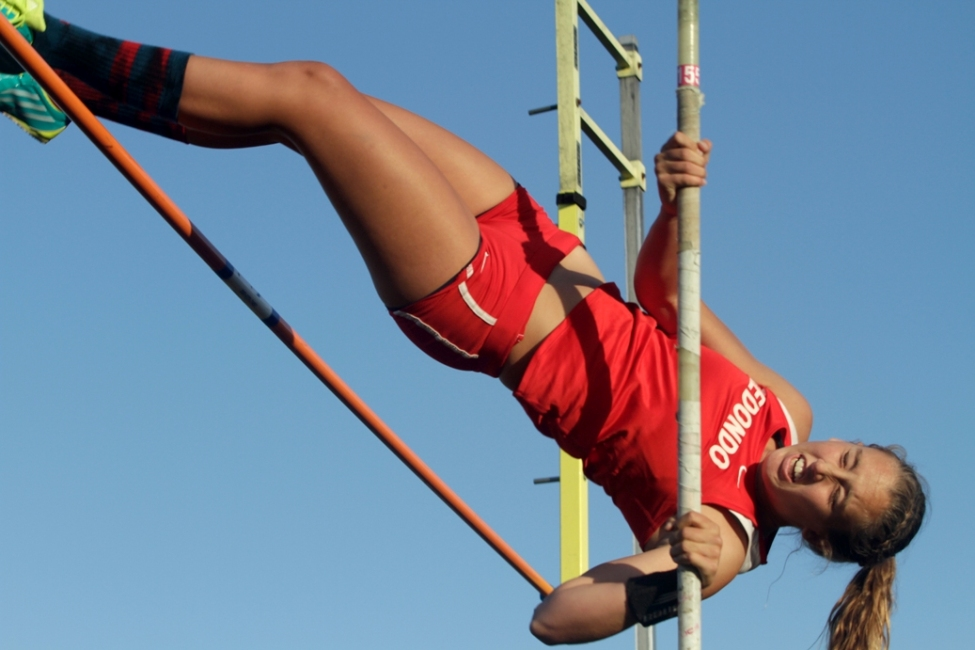 Redondo's Sara Curran captured the girls pole vault title with a mark of 11 feet, 3 inches. Photo by Ray Vidal