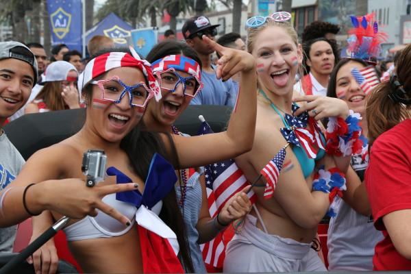 Soccer fans Lauryn De La Torre, Shayda Ansari, Lindsay BGeedee, and Paige Conway.