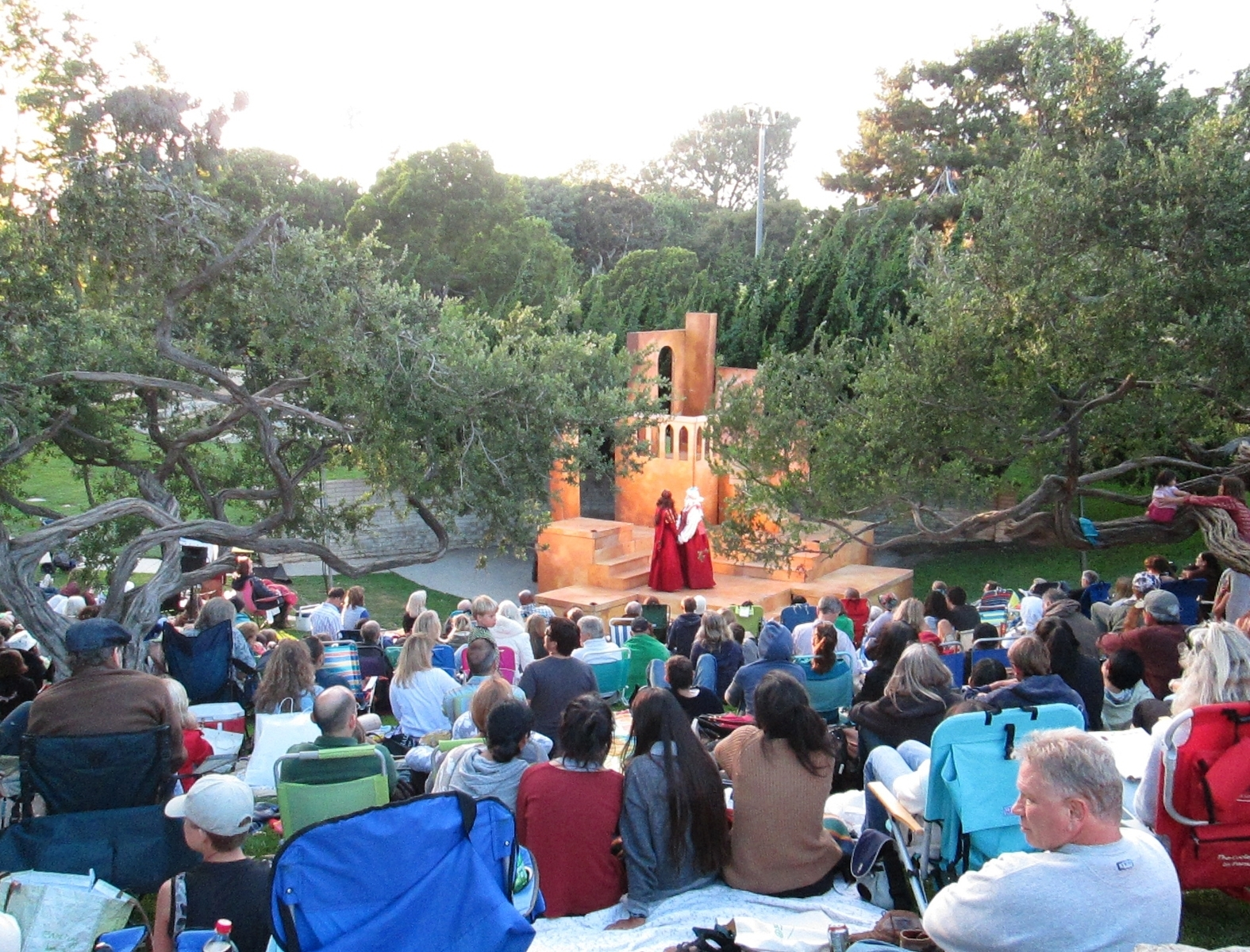 "The Bard at the Beach-Shakespeare by the Sea rolls through with ""Hamlet"" and ""A Midsummer Night's Dream"""