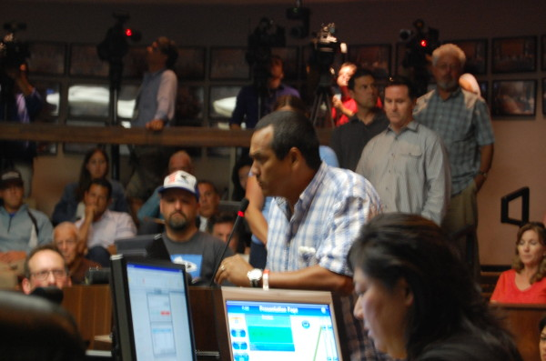Steve Robles speaks before the Manhattan Beach City Council on Tuesday. Photos by Esther Kang