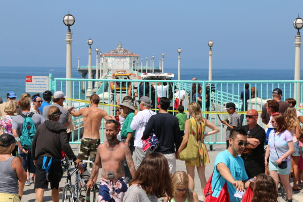 Lifeguards kept the Manhattan Beach pier and neighboring beaches closed while a search for the shark was conducted. Photo