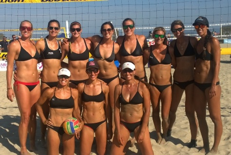 Beach volleyball legend Holly McPeak (with ball) led her team to a second straight 6-man title. Joining McPeak on Holly Angels/Flash were Keao Burdine, Emily Stockman, Amanda Dowdy, Katie Carter, Leah Hinkey, Sheila Shaw, Ana Paula Henkel, Chelsea Hayes, Christal Engle and Traci Weamer.