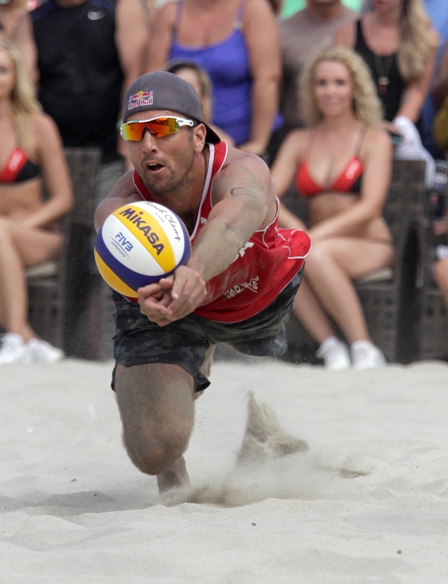 Sean Rosenthal makes a dig during the championship match of the FIVB Long Beach Grand Slam. Photo by Ray Vidal