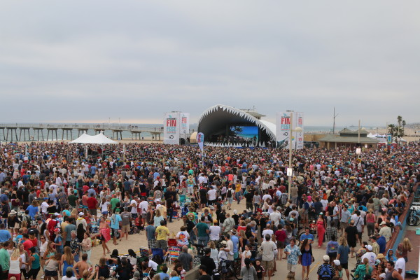Police estimated 12,000 fans gathered in front of the Shark stage. Photo by Michael Cody