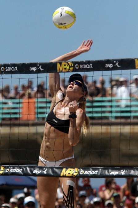Kerri Walsh Jennings won a record seventh Manhattan Beach Open title and first with partner April Ross. Photo by Ray Vidal
