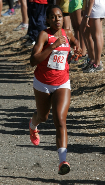 Senior Amber Gore leads a strong group of runners on Redondo's girls cross country team. Photo by Ray Vidal