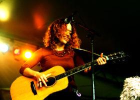 Lynn Drury plays at R10 on Thursday. Photo by Tyler Austin.