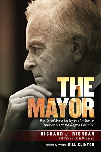 The Mayor – Richard Riordan visits Manhattan Beach to introduce his memoir