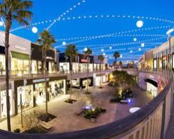 Del Amo Fashion Center.