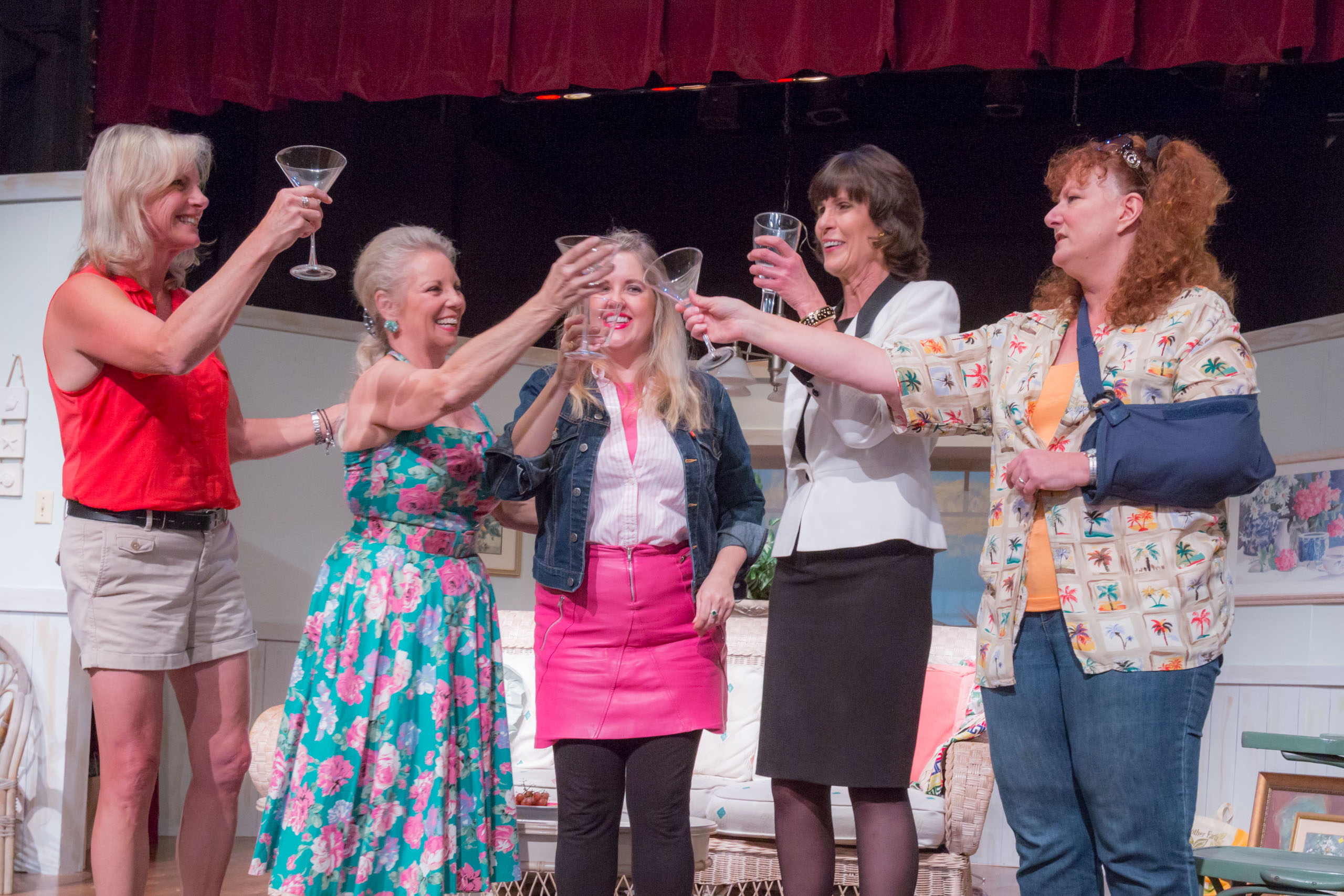 "THEATER REVIEW: ""The Dixie Swim Club"" – five women in the water of life"