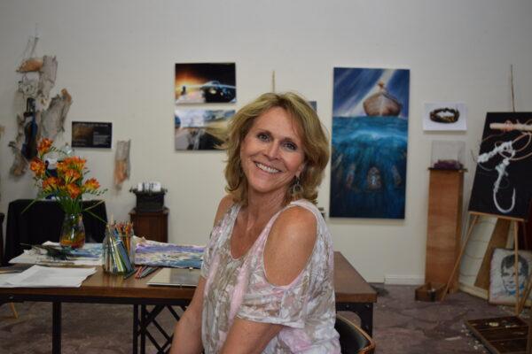 Cie Gumucio in her studio. Photo
