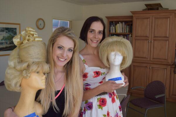 Wigless: Megan Davis as Amber von Tussle and Amanda Webb as her mother, Velma von Tussle. Photo by Bondo Wyszpolski