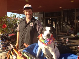 Bixby and Mike Minnick, in front of Catalina Coffee Company. Together, the two have spent the last two years and 9,000 miles crossing the country by bicycle. Photo by David Mendez