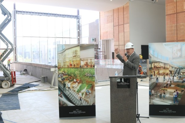 Simon vice president Charles Davis at the mall's new Grand Entrance. Photo by Kevin Cody