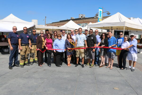 HB Farmers market ribbon cutting