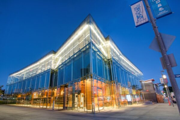 The newly opened Manhattan Beach Library, designed by the architetural firm Johnson Favaro, exemplifies the increasingly sophisticated design of new commercial and residential design. Photo  (CivicCouch.com)