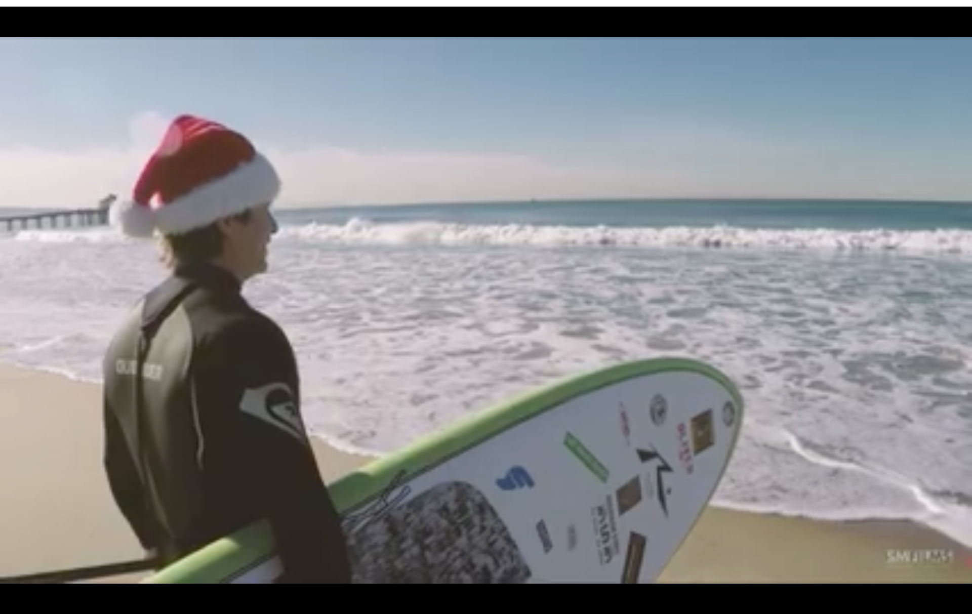 "Scott McFarlane strikes again with ""A Manhattan Beach Christmas"" [VIDEO]"