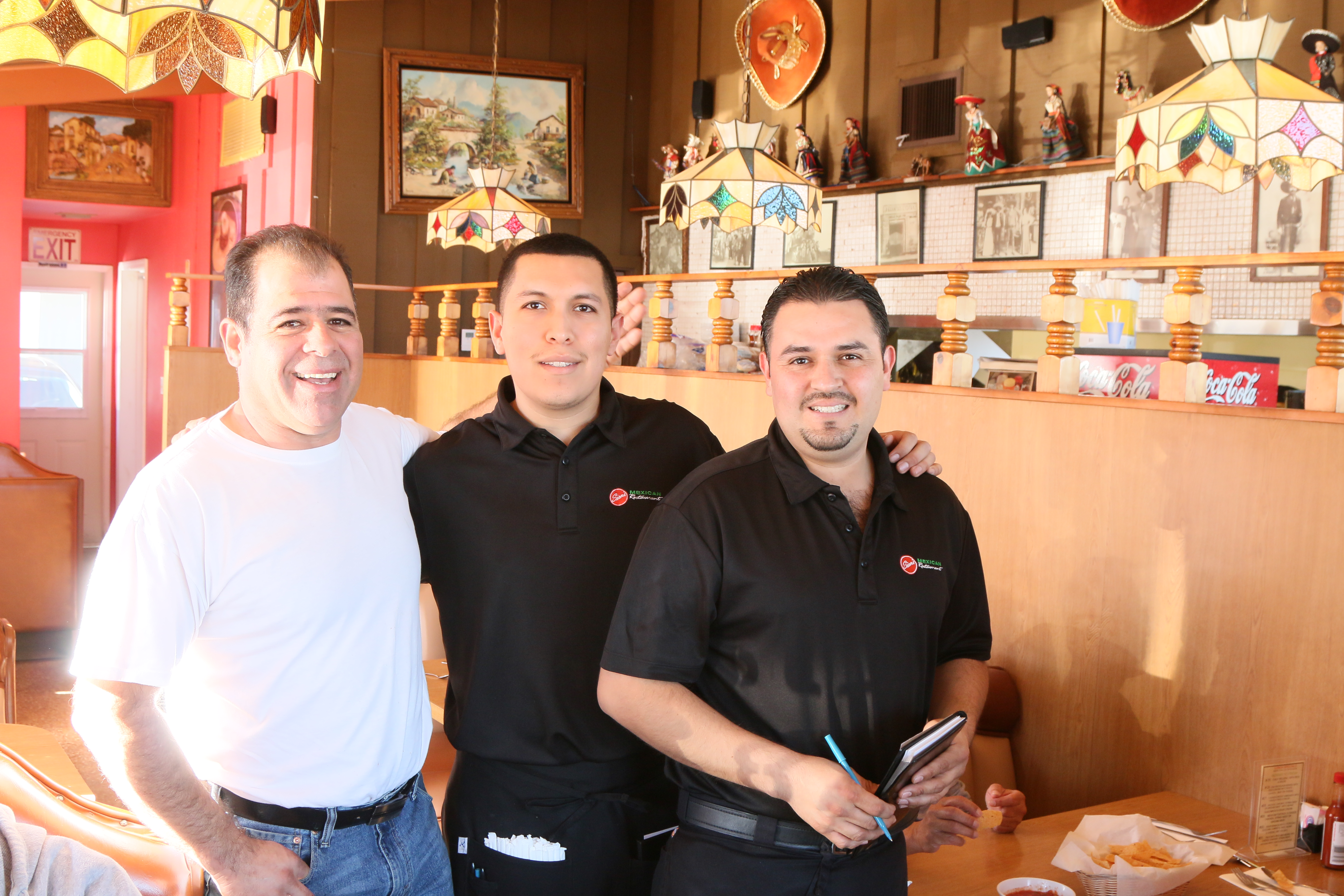 Sion S Owner Orozco With Servers Rogelio Barrera And Salvador Lamas Photo By Kevin Cody