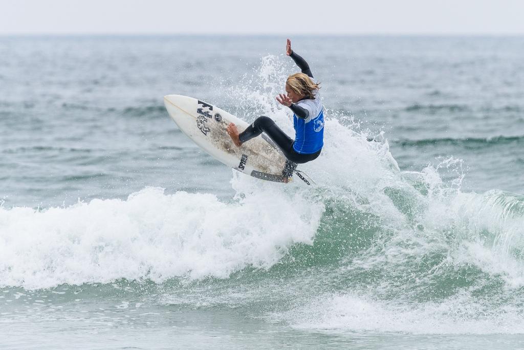 Mira Costa surf team ends Huntington High's run