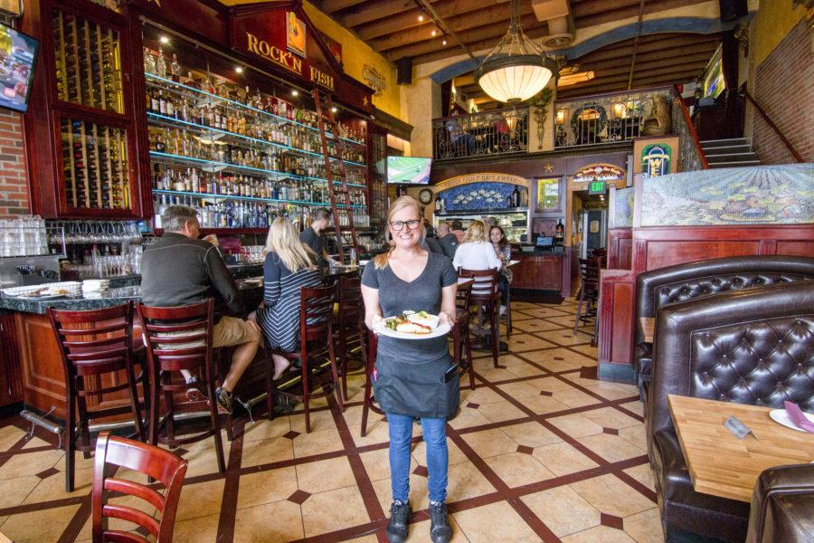 Rock n fish keeps on rockin 39 restaurant review for Rock n fish manhattan beach