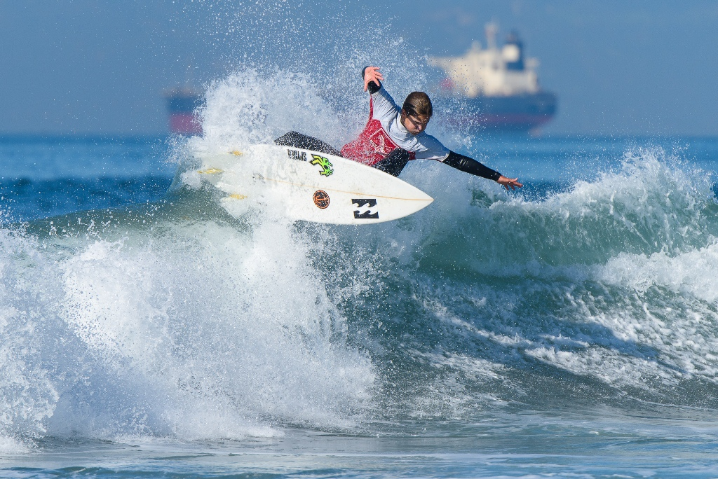 High S Cody Purcell Blasts His Way To Second Place In The Open Men Division Of Et Surf Sbbc Contest On Saay At 26th Street Manhattan Beach