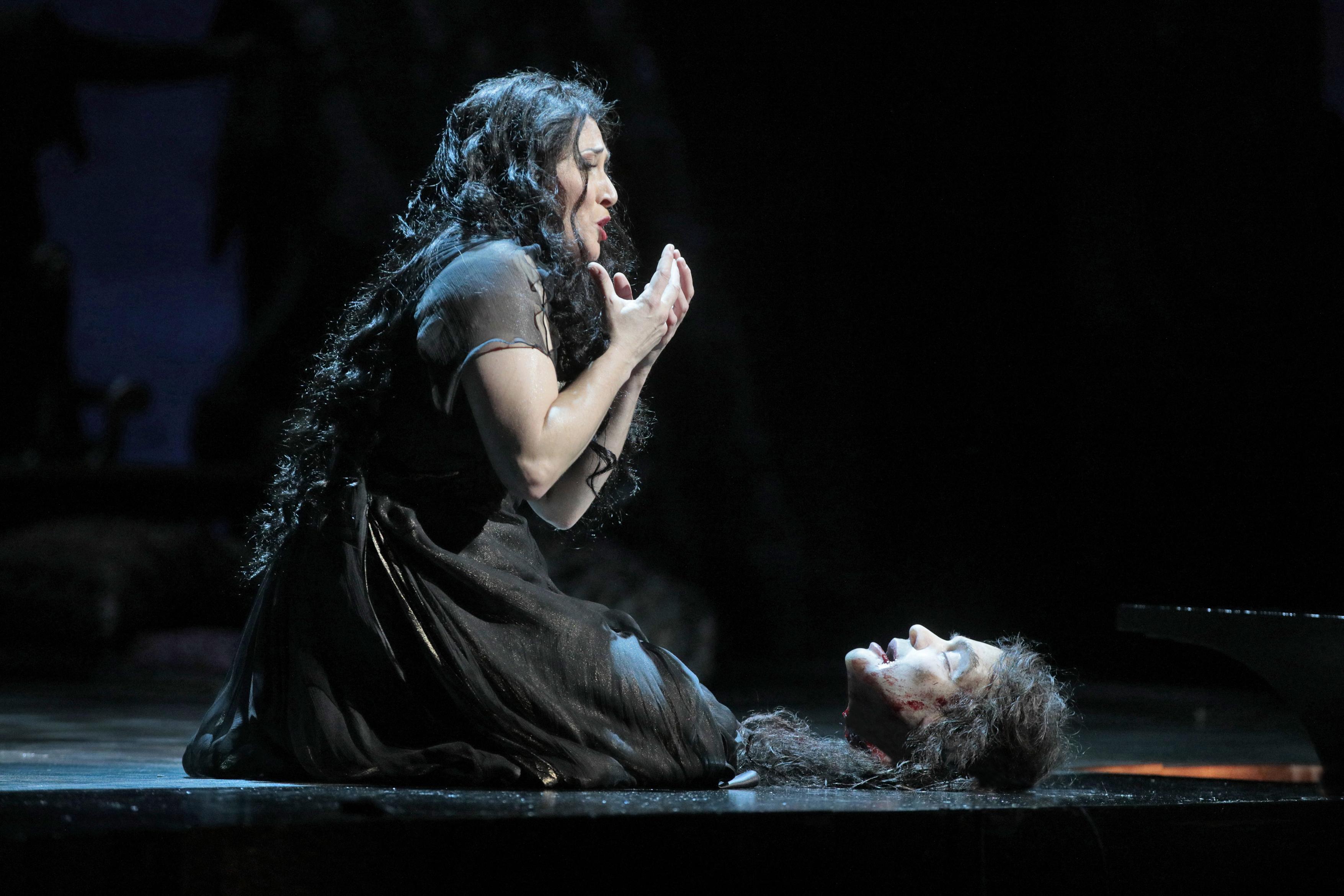 """""""Salome"""" : LA Opera's decadent delight"""