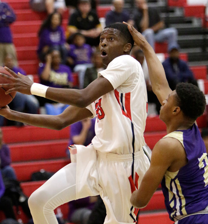 Redondo Union boys hoops squad withstands Ridgeview comeback to advance to CIF southern regional