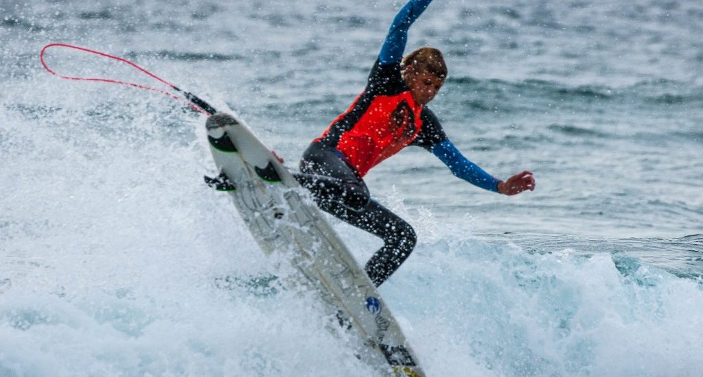 SB Boardriders take to the air in ET surf contest in Manhattan Beach
