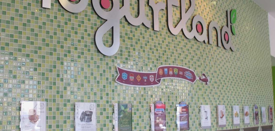 Yogurtland: Best of the Beach 2018 Yogurt Shop