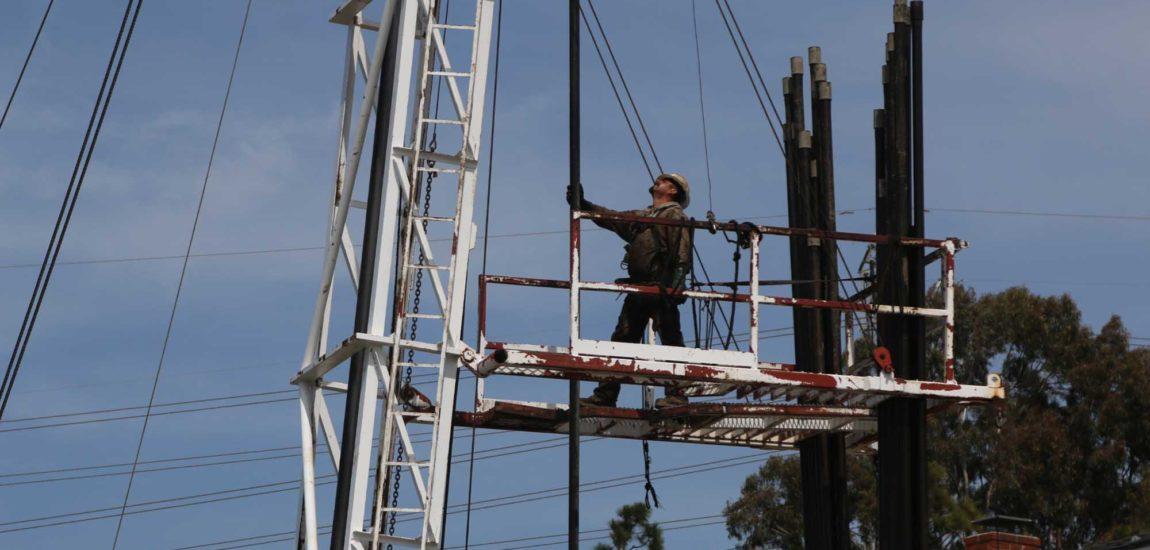 Redondo neighbors put off by oil well work
