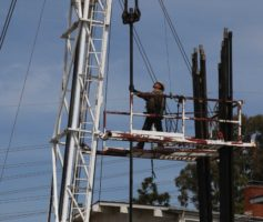 Redondo neighbors put off by oil well work