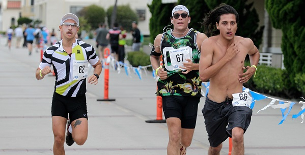 Efron, Temperley swim, cycle and run to Hermosa Beach Triathlon titles