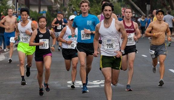 Stewart Harwell repeats as winner of Manhattan Beach 10K race