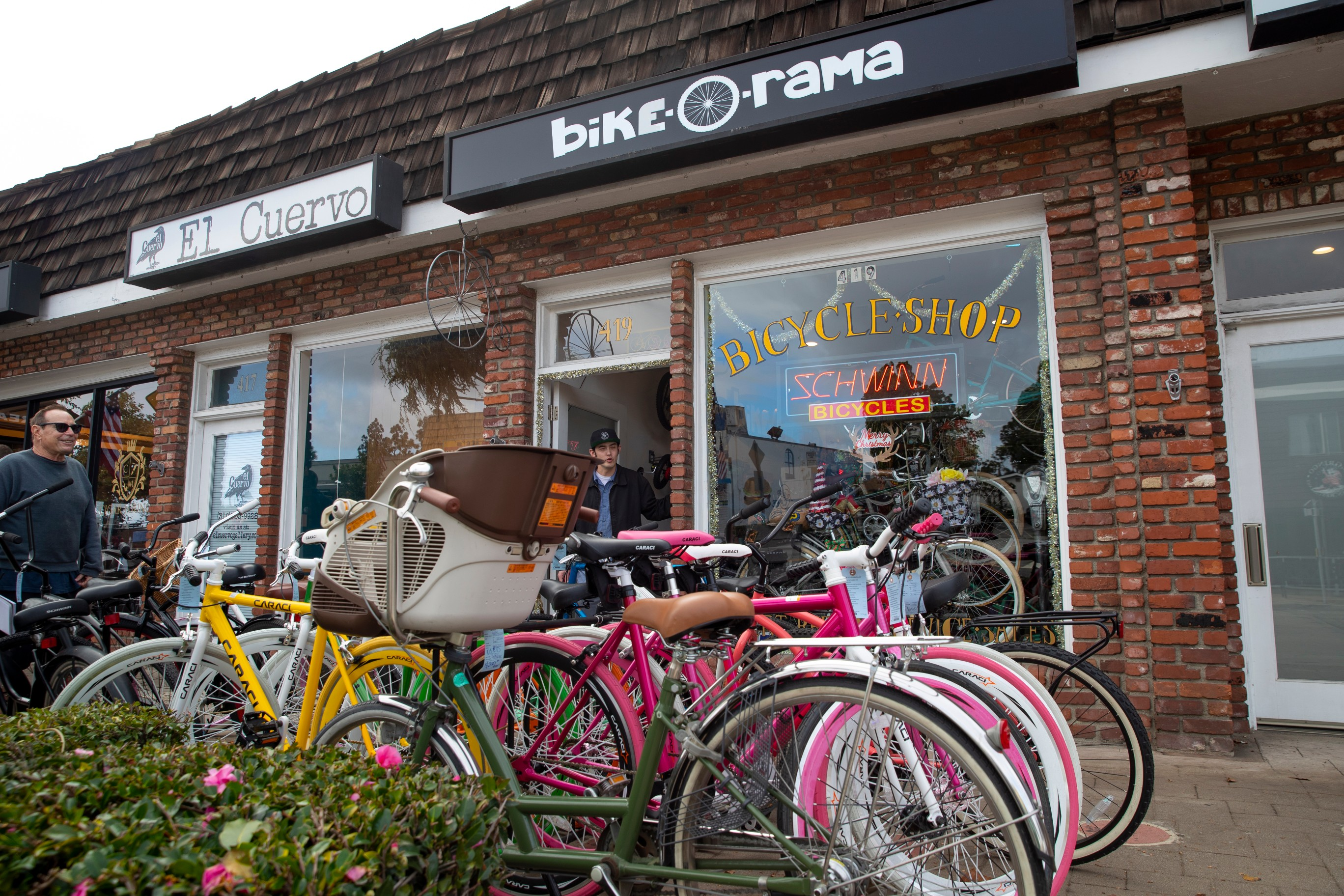 ES Sports – Pedaling back down Mainstreet | Easy Reader News