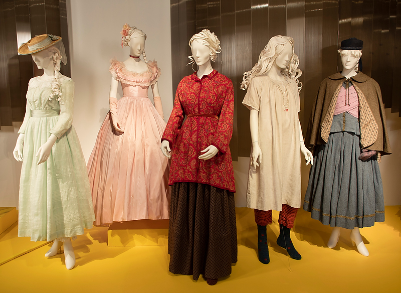 100 Costumes 30 Films At Fidm Museum