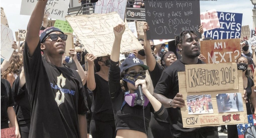 No riot going on: Black Lives Matter comes to Manhattan Beach